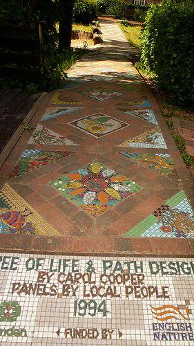 Mosaic path at Calthorpe project Mosaicos, Pisos y Jardín
