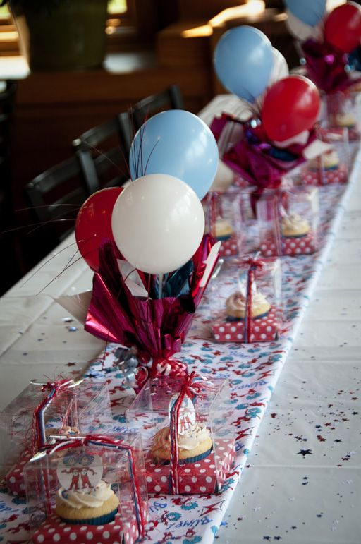 graduation centerpieces for guys then we moved on to cupcakes rh pinterest com