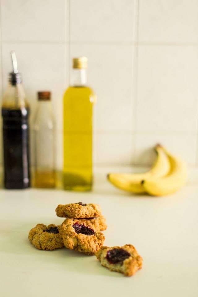 Delicious vegan coconut/oat cookies