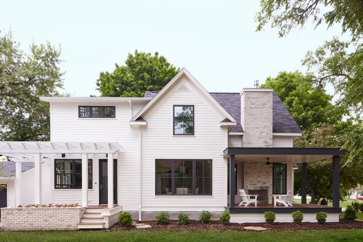 Black Window Frames A Simple Look Is This Year S Hottest Design Trend In 2020 Black Window Frames White Exterior Houses Black Windows