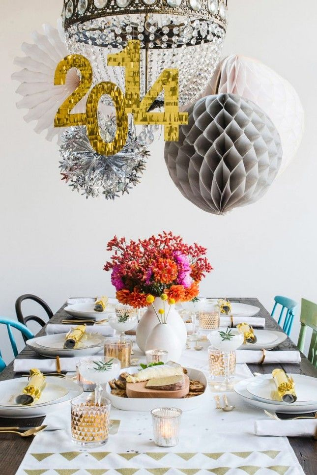 10 Ways To Trick Out Your Nye Table New Years Eve Decorations Table Decorations Party Table Settings