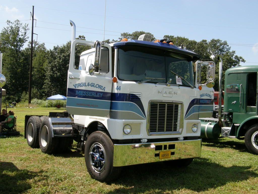 Mack Quot F Quot Model Truck Pictures Big Trucks Mack
