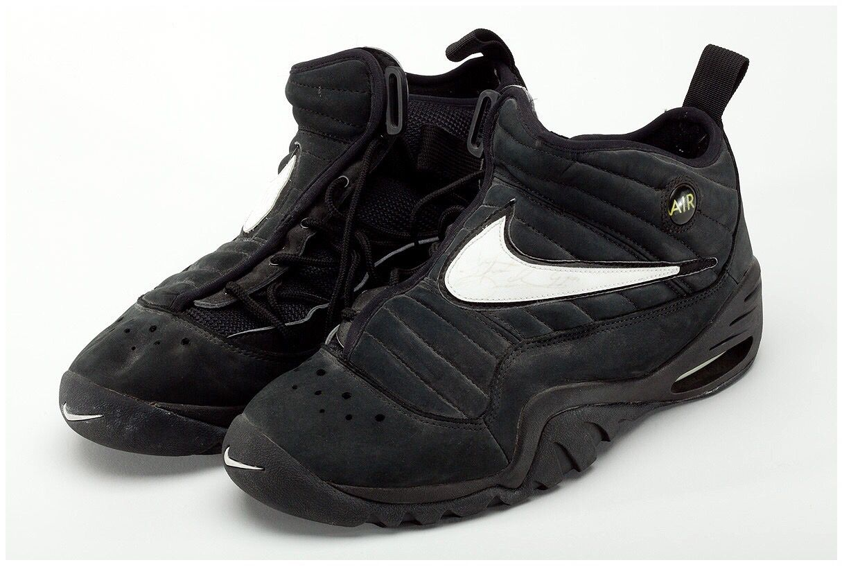 Retro shoes � Nike Air Shake Ndestrukt Denis Rodman