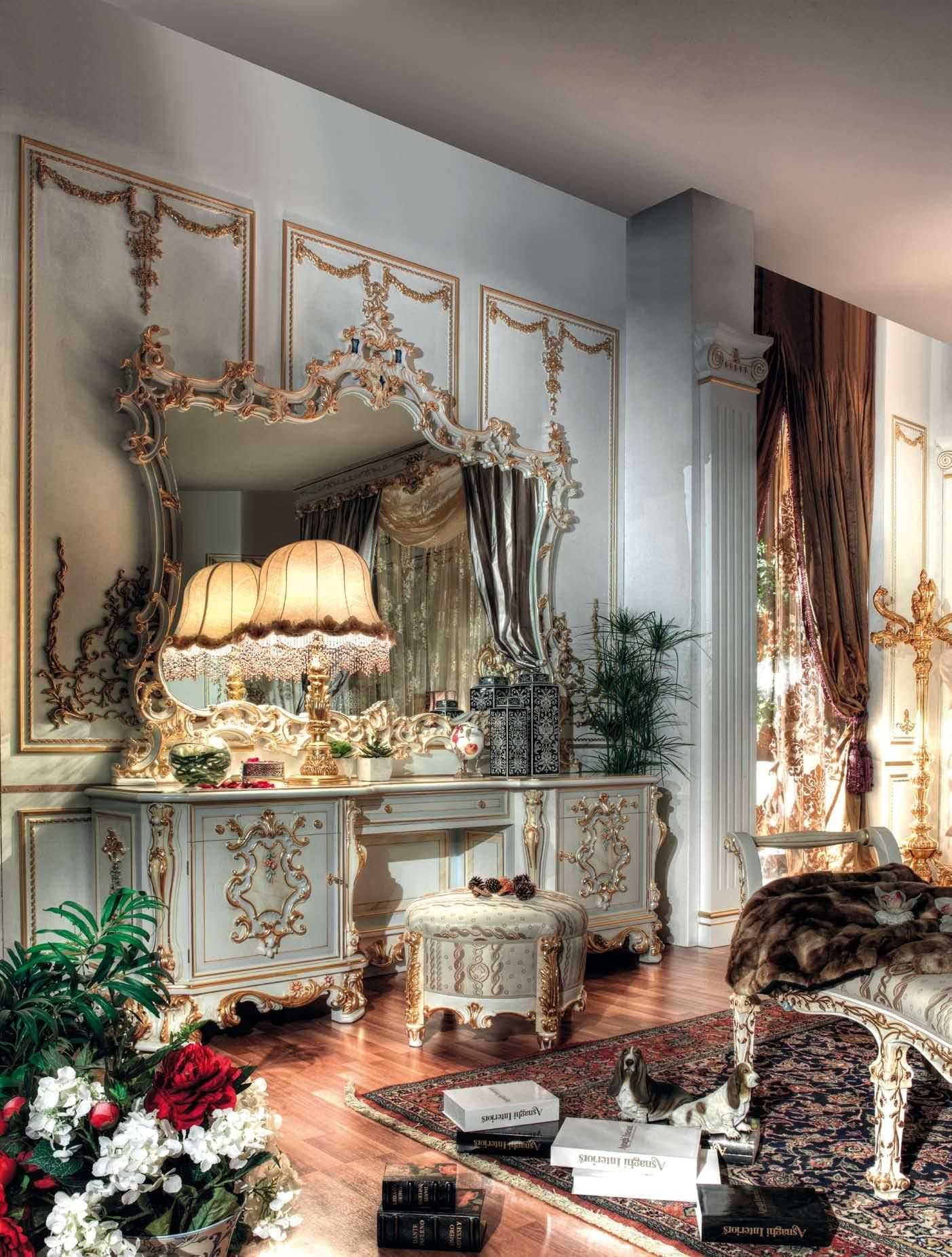 King Bed Room Royal Suite Gold Italy Finish Top and Best