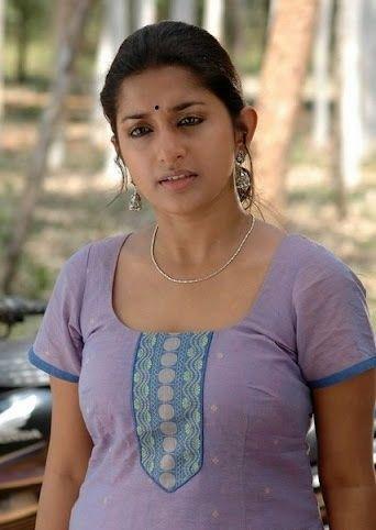 Meera jasmine boob