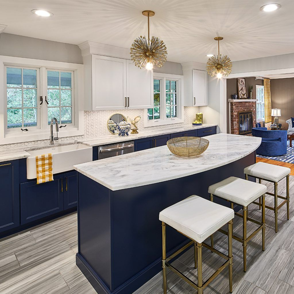Navy and blue kitchen with brass accents and marble countertops by Case Desig… | White kitchen ...
