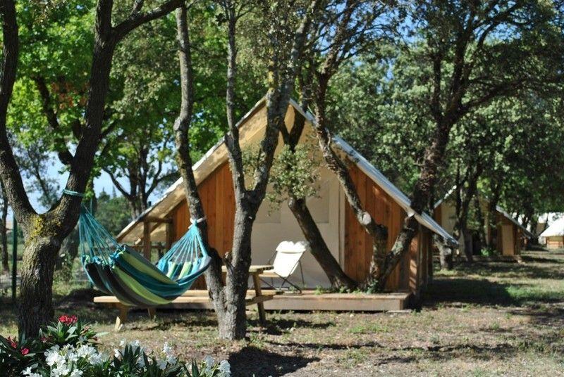 Lodges en Provence***** à RICHERENCHES, camping avec piscine idéal - location vacances provence avec piscine
