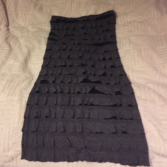 Heather Grey Ruffle Body Con Dress Gorgeous ruffled body con dress! Worn once, looks great with black heels! Poetry Dresses