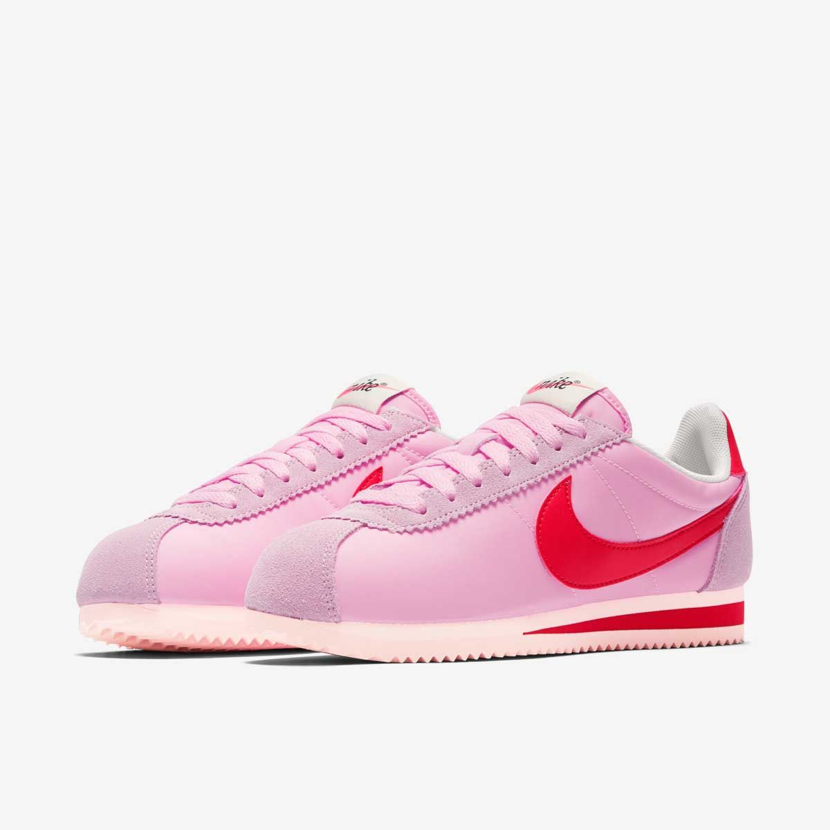 Кроссовки Nike WMNS CLASSIC CORTEZ NYLON PREM
