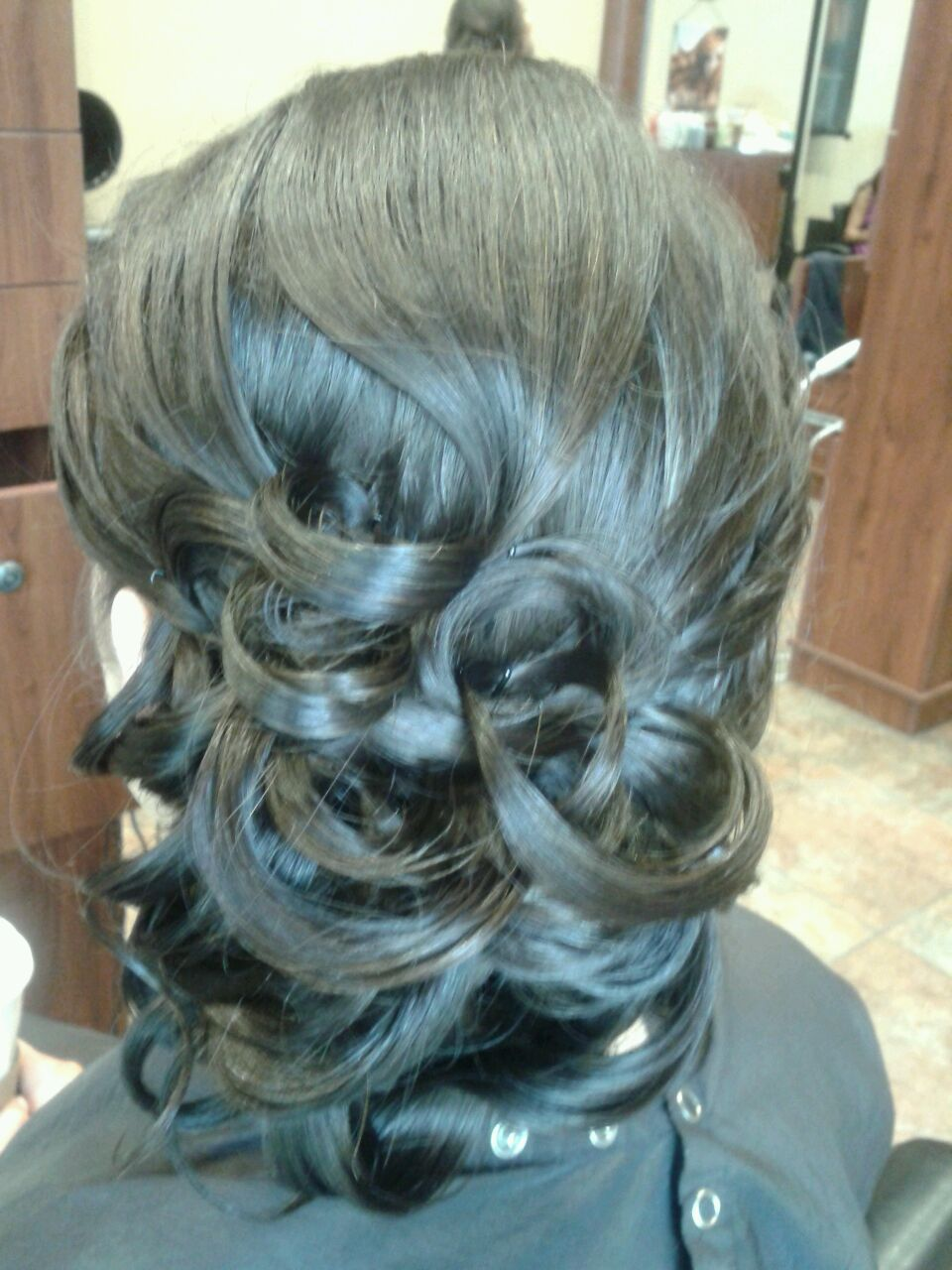 Tara lee does amazing and elegant formal styles salon guy finds