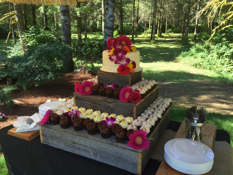 3 Tier Wood Cupcake Stand Wedding Cake Stand Party Stand Etsy Rustic Cupcake Stands Rustic Cupcakes Rustic Cupcake Stand Wood