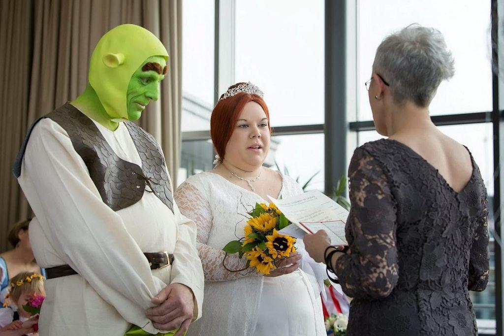 Shrek Wedding Shrek Wedding Wedding Weird Pictures
