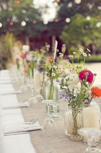wedding table simple summer wildflowers