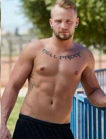 Chris brown on beach nude