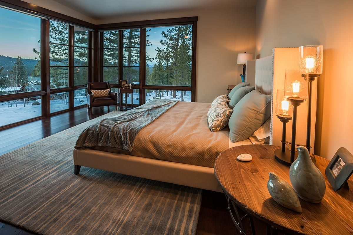 Martis camp lake tahoe luxury homes for sale bedroom for Luxury lake tahoe homes for sale