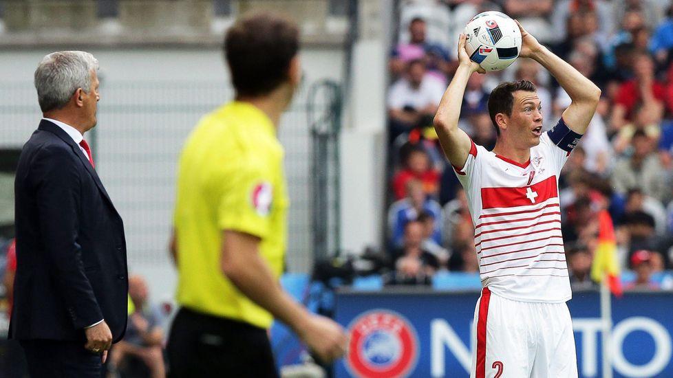 Euro 2016, Albania-Svizzera 0-1: Schar decisivo - Tuttosport #Lichtsteiner
