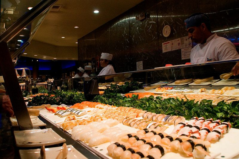 seafood buffet las vegas strip jpg 422x640