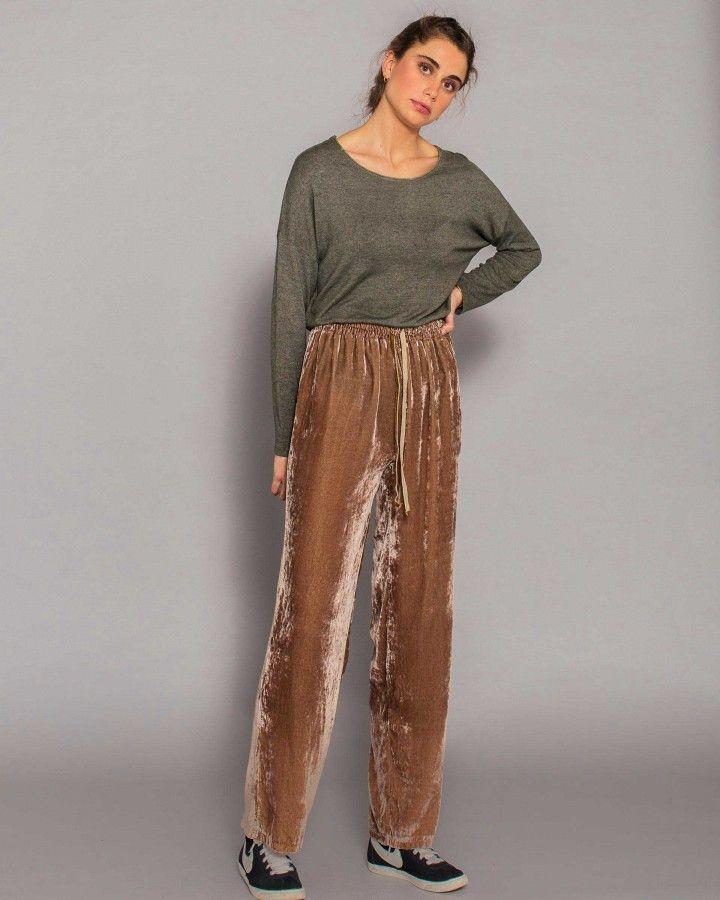 Photo of Pantaloni larghi in velluto con fiocco color talpa