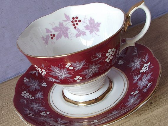 Vintage Royal Albert chateau series Reims tea cup and saucer, red tea cup, bone china tea cup, English tea cup, red and white grapes tea cup
