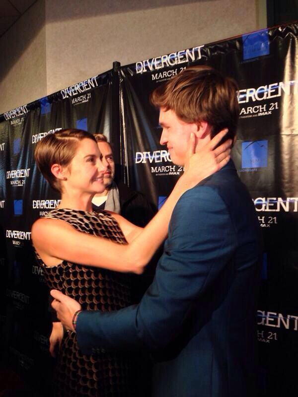 Shailene and Ansel at the Divergent movie premiere in Chicago... Brother and Sister... Boyfriend and Girlfriend...