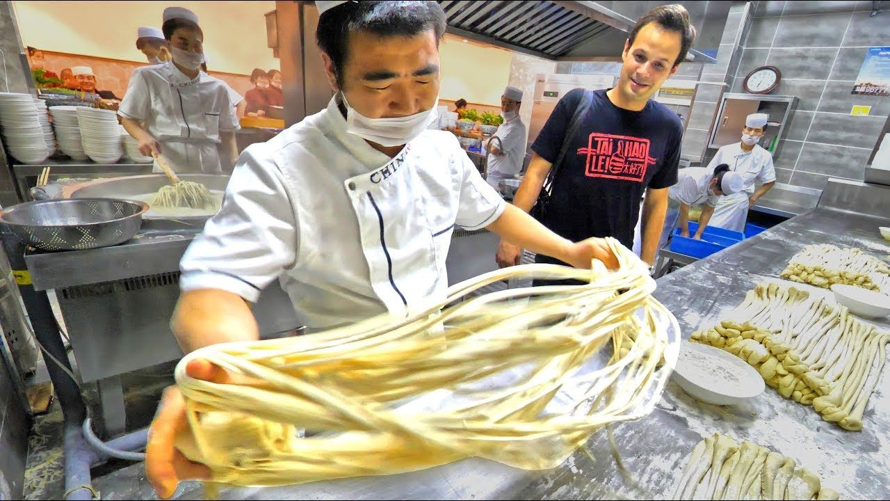 Extreme Hand Pulled Noodles Tour In Xi An China Amazing Chinese Street Food Youtube Chinese Street Food Street Food Best Street Food