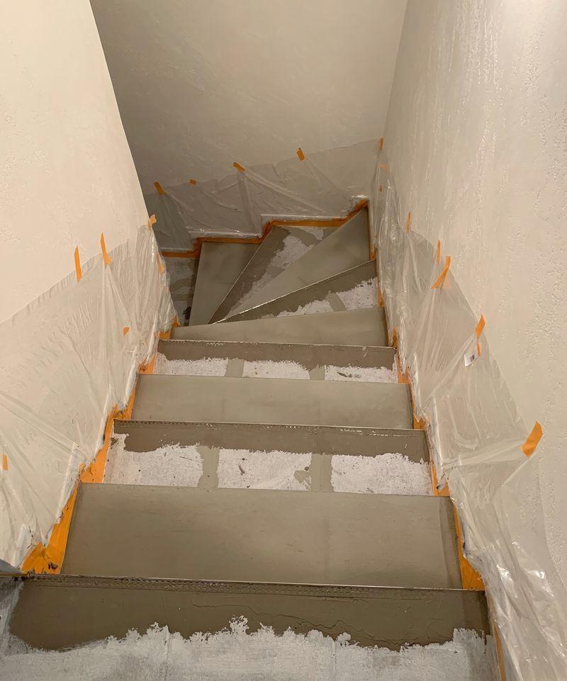 Wohnideen Wandgestaltung Maler: Eine Ehemalige Fliesentreppe Erzählt Aus