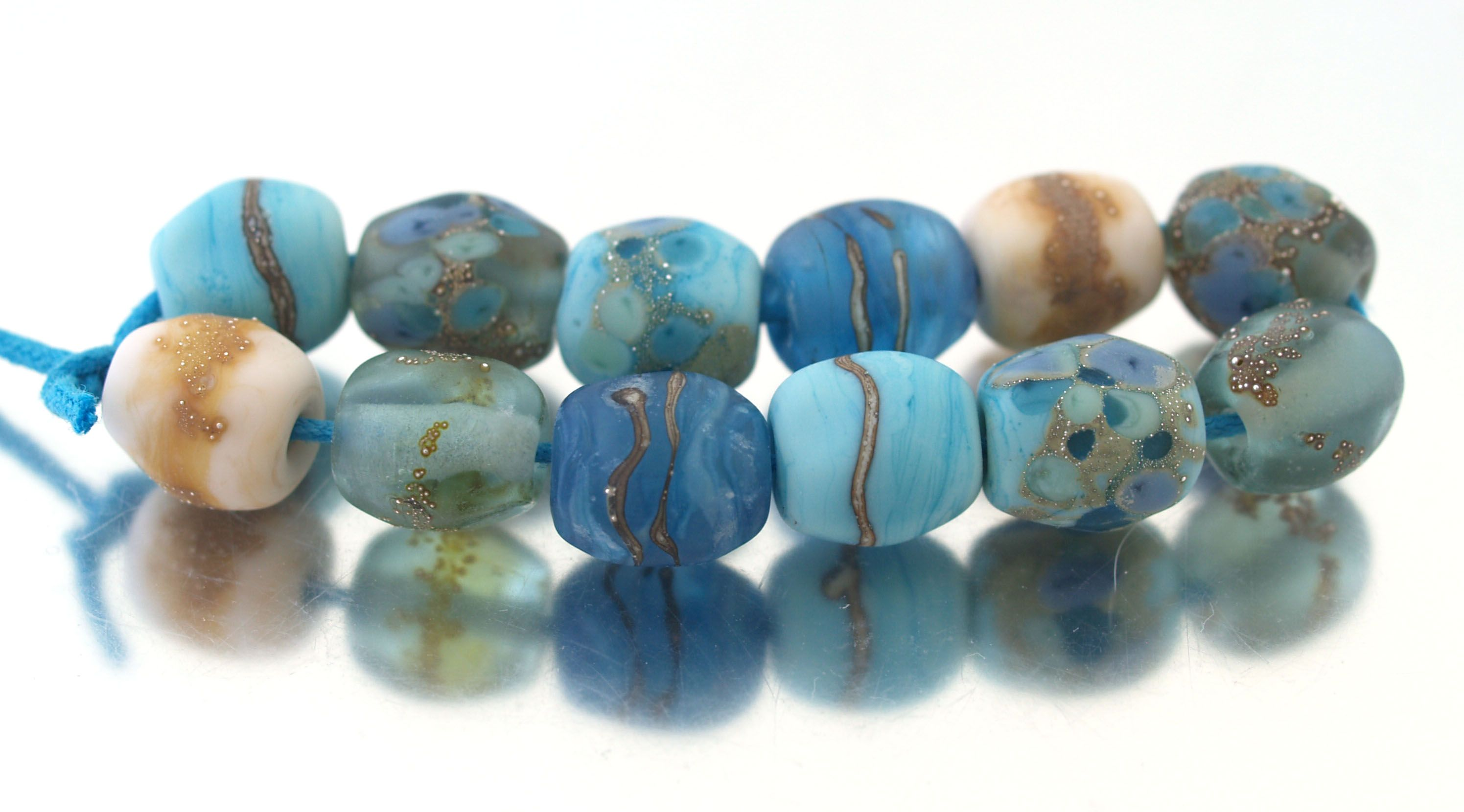 Organic style nugget shaped beads