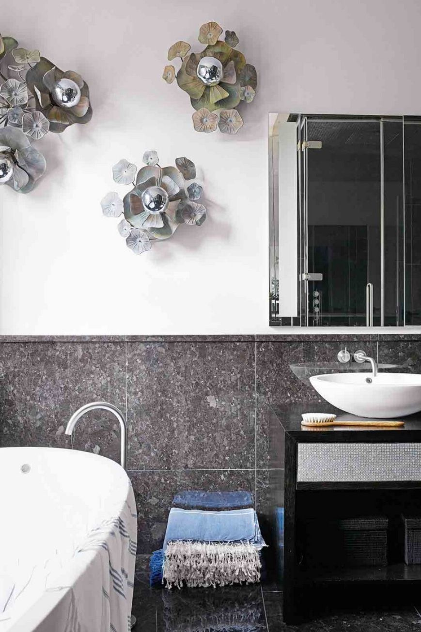 Brighten Up Your Bathroom Decor With Outstanding Lighting Designs Bathroom Inspiration Small Bathroom Inspiration Stylish Bathroom