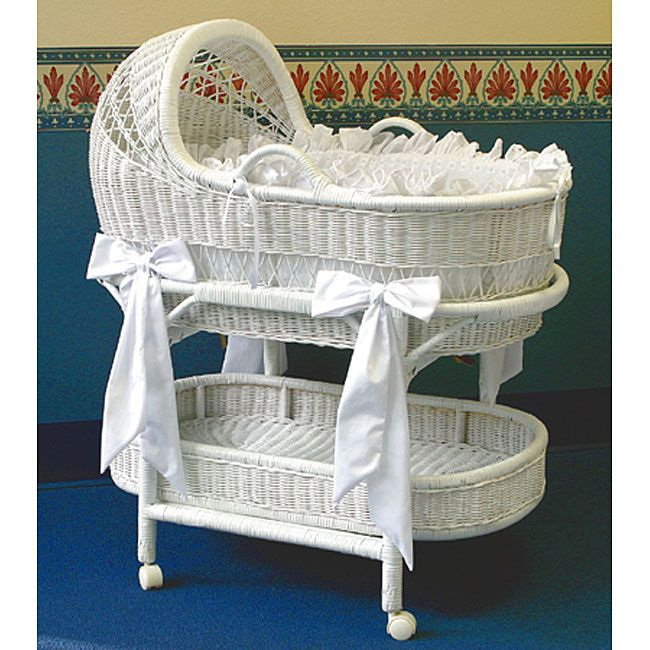 LA Baby Wicker Bassinet And Bedding Set   Overstock Shopping   Big  Discounts On LA Baby Bassinets