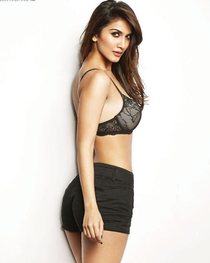 Image result for vaani kapoor sexy