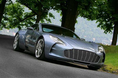 #Aston Martin One 77