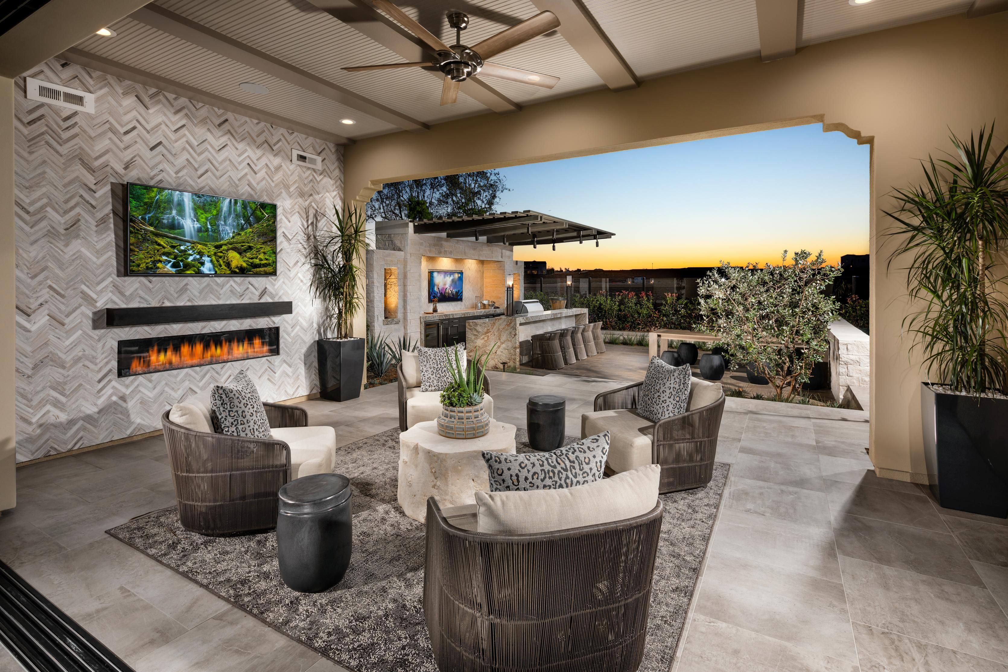 Take Advantage Of San Diego S Wonderful Weather In These Fabulous Outdoor Spaces From Palomar At Pacific Highlands Ranch Cas Patio Outdoor Island House Design