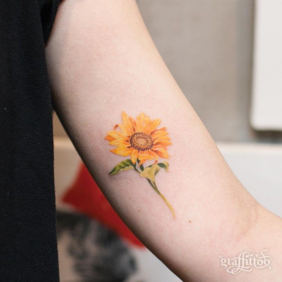 40 Simple Sunflower Tattoo Ideas That Will Make Yourself