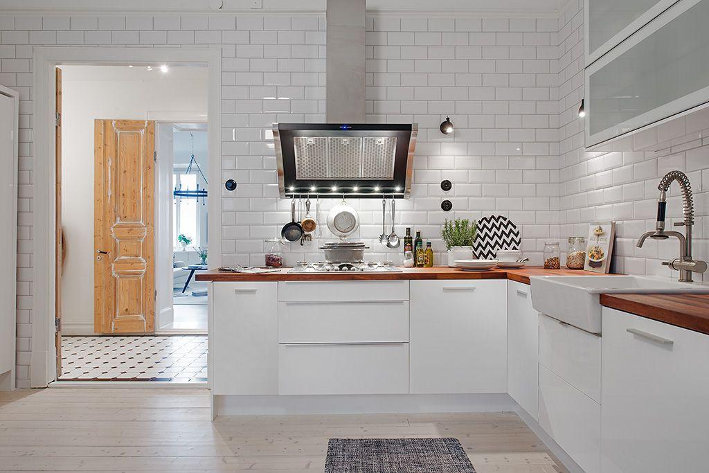 cuina llisa contrast terra clar/taulell més fosc | CUINA | Pinterest ...