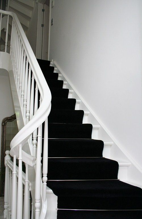 Best White Stairs With Black Runner Stairs And Landings 400 x 300