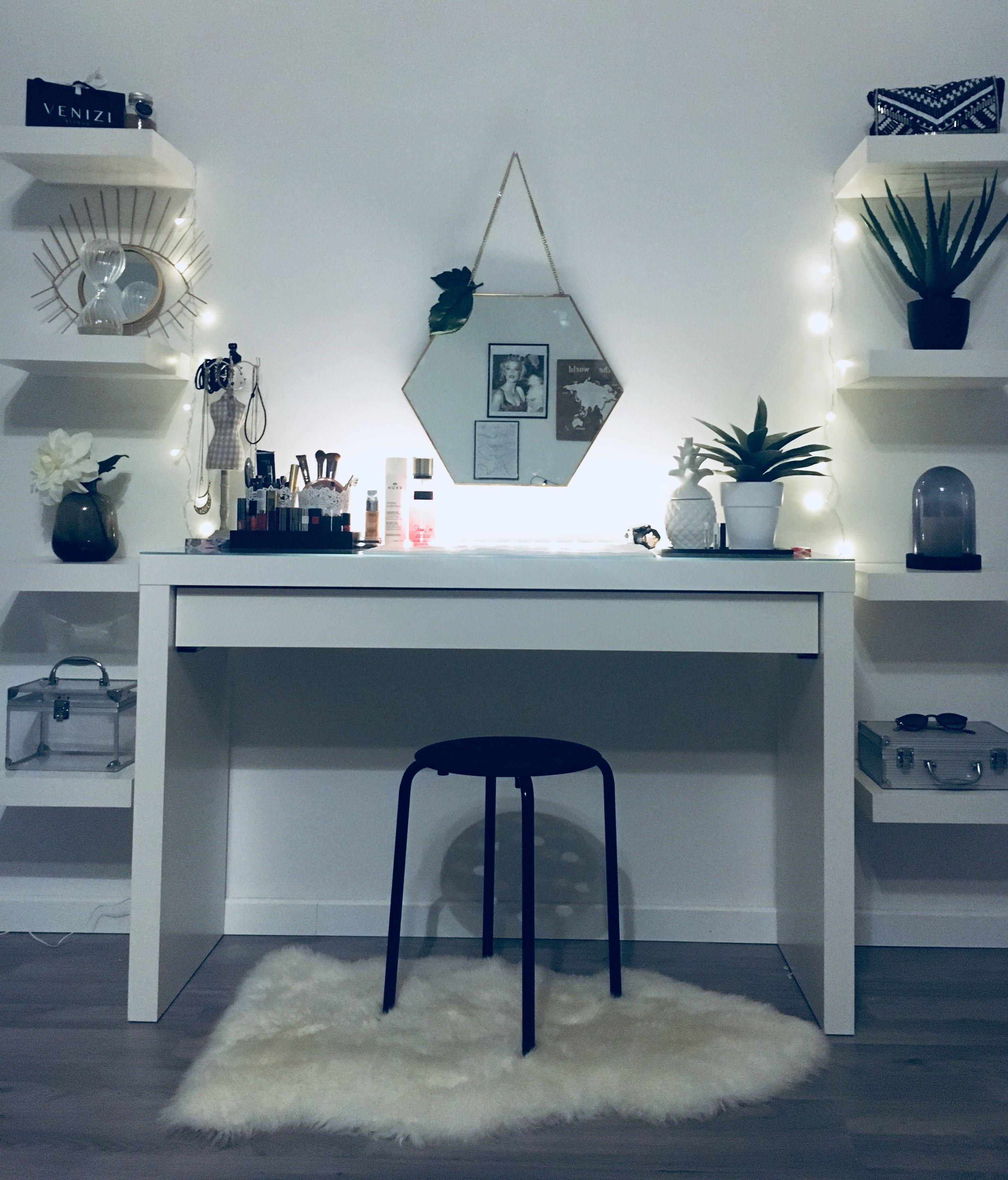 Wonderful Pictures Pinterest : whywhyn0t  Tips   Purchasing a well-designed sofa… Genç odası