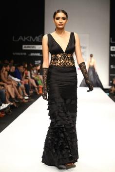 Fashion Metropolitan With Images Fashion Fashion Week Cocktail Wear