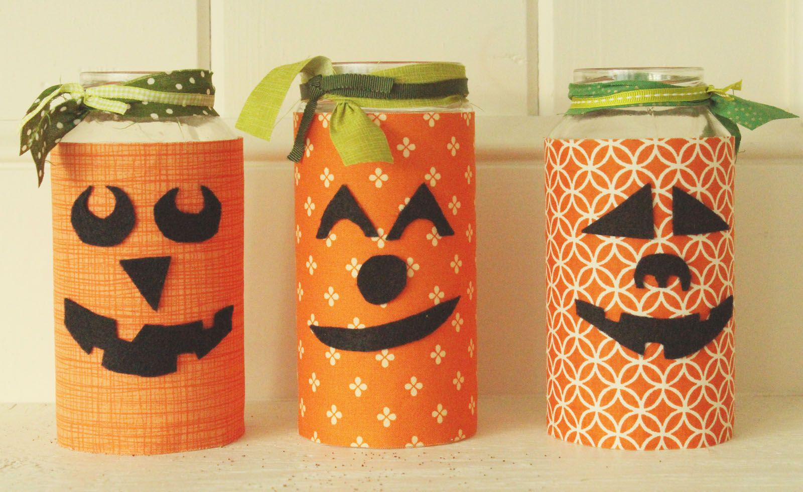 pumpkin jars by Just Make Stuff for Spooktacular September - Inside Halloween Decorations