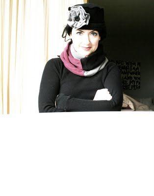 www.alisaburke.blogspot.com: tutorials  A fleece vintage looking hat and scarf with flower embellishment