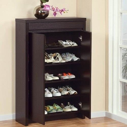 Elegant And Discreet Shoe Rack For The Foyer Plus A Plant Stand