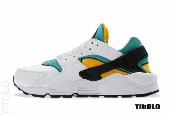 premium selection 29b22 a179e Nike Air Huarache Runner OG White Sport Turquoise University ...