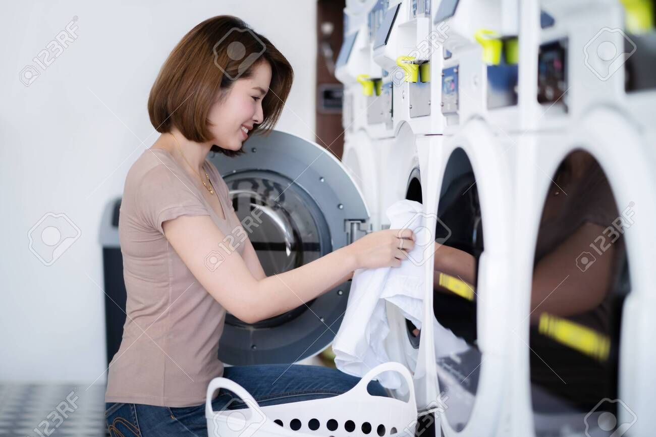 Asian Women Washing Clothes At The Laundry Shop Sponsored Washing Women Asian Shop Laundry In 2020 Washing Clothes Laundry Shop Asian Woman