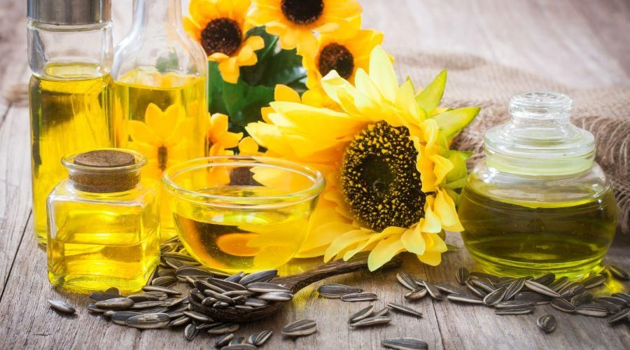 Is Sunflower Oil Healthy In 2020 Healthy Cooking Oils Healthy Oils Sunflower Oil