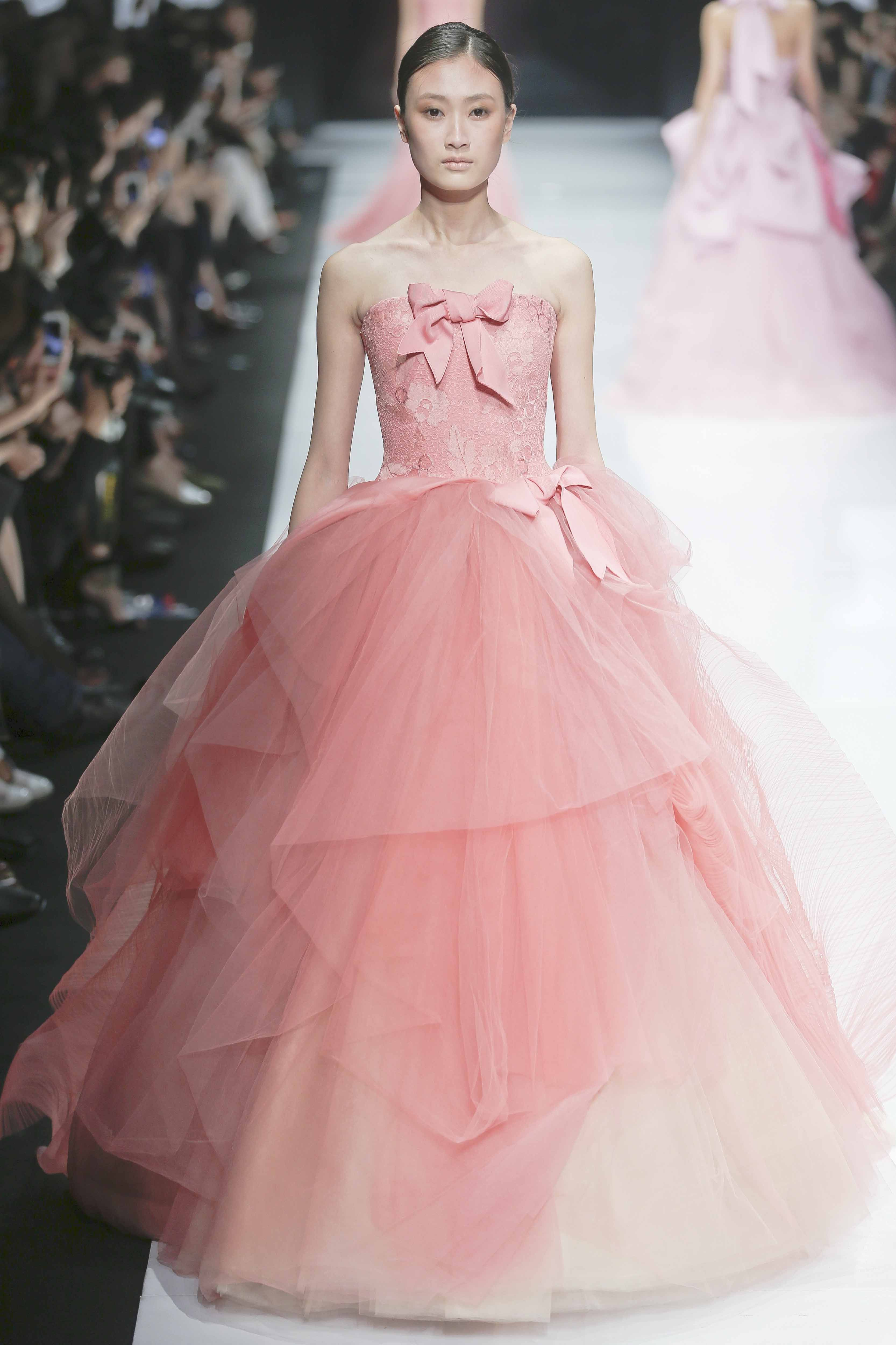 ❈• Vera Wang | Pink Hotties. | Pinterest | Vestiditos, Rosas y ...