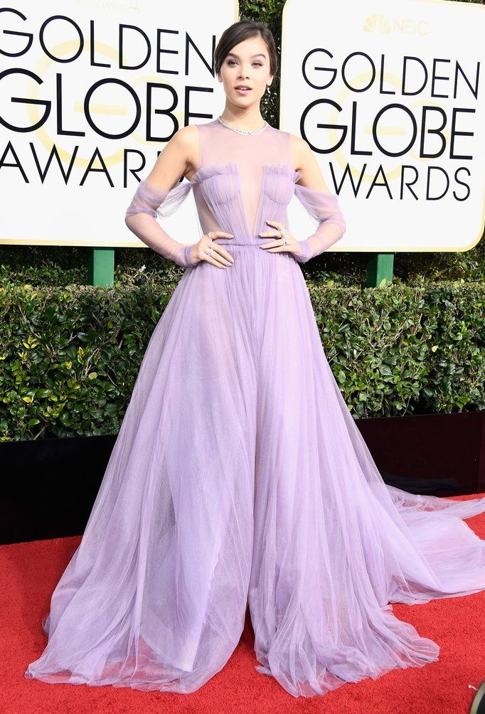 Hailee Steinfeld in Vera Wang attends the 74th Annual Golden Globe ...
