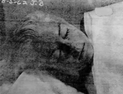 Marilyn monroe death photos real