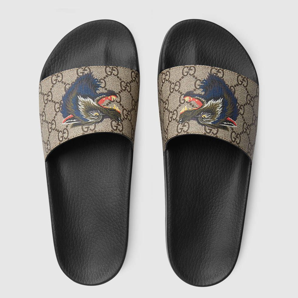 8f5952d9 Gucci GG Supreme slide with wolf Detail 3 | Kicks in 2019 | Gucci ...