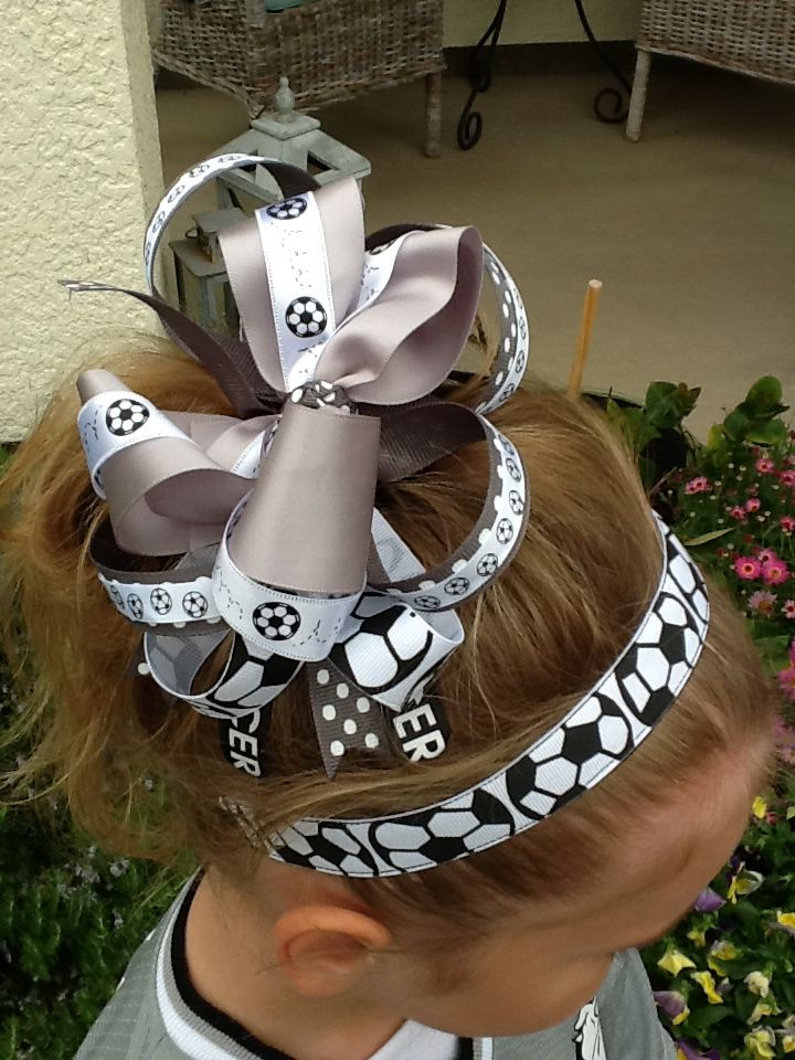 Soccer headband and hair bow!  CaSandra Cardoza this reminded me of u and  ur girls 89dbf4ebe09