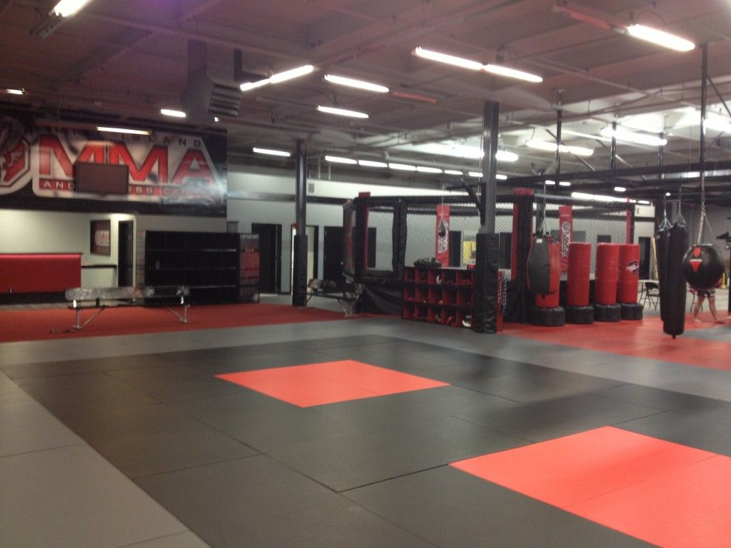 Long Island Mma Training Center Moves To Farmingdale Mma Gym Mma Training Gym Interior