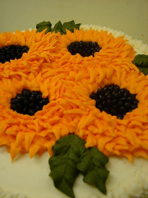 sunflower cake up close cake decorating Pinterest Birthday